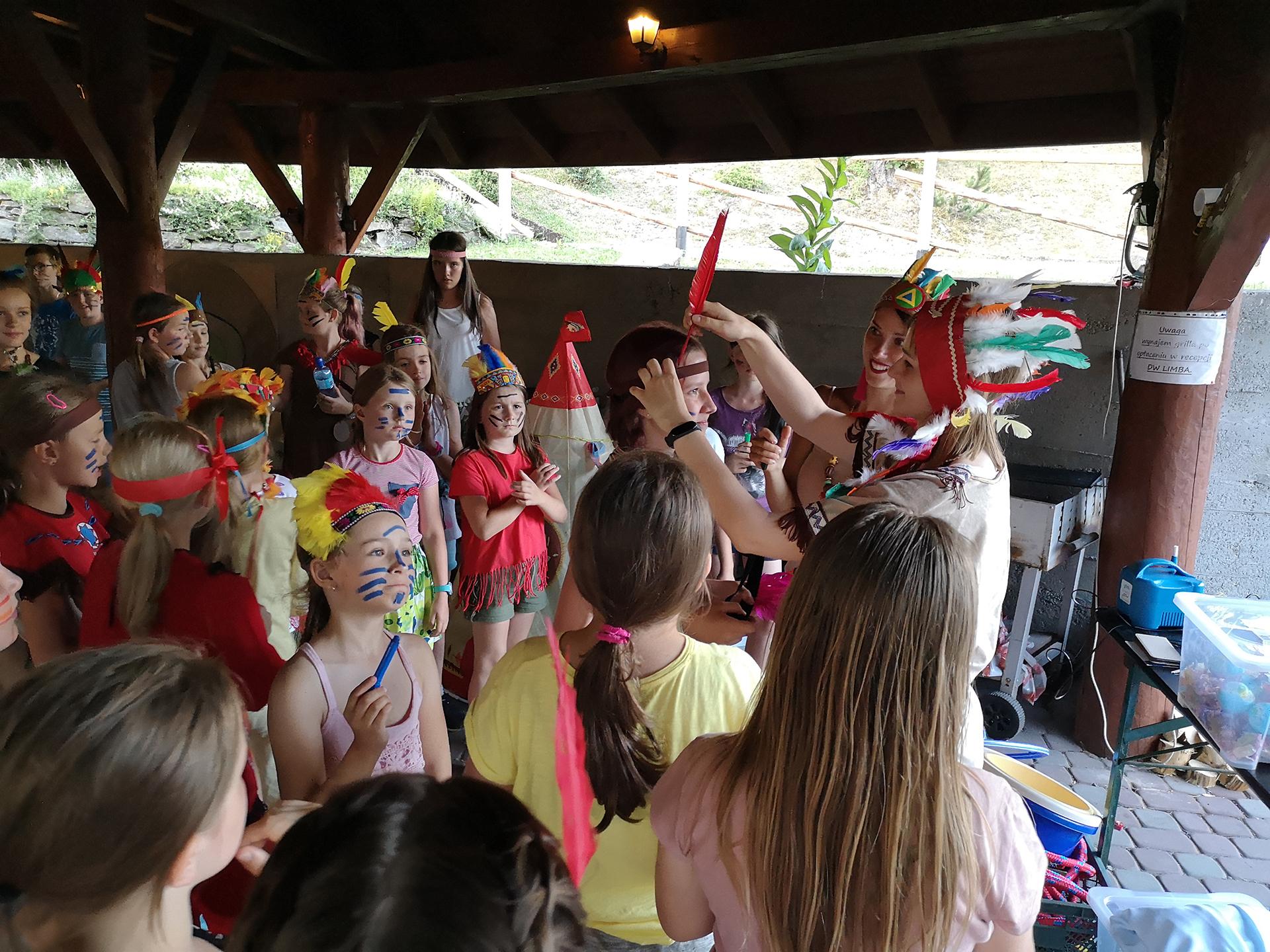 Bawiące się dzieci - kolonia językowa Bacalarus