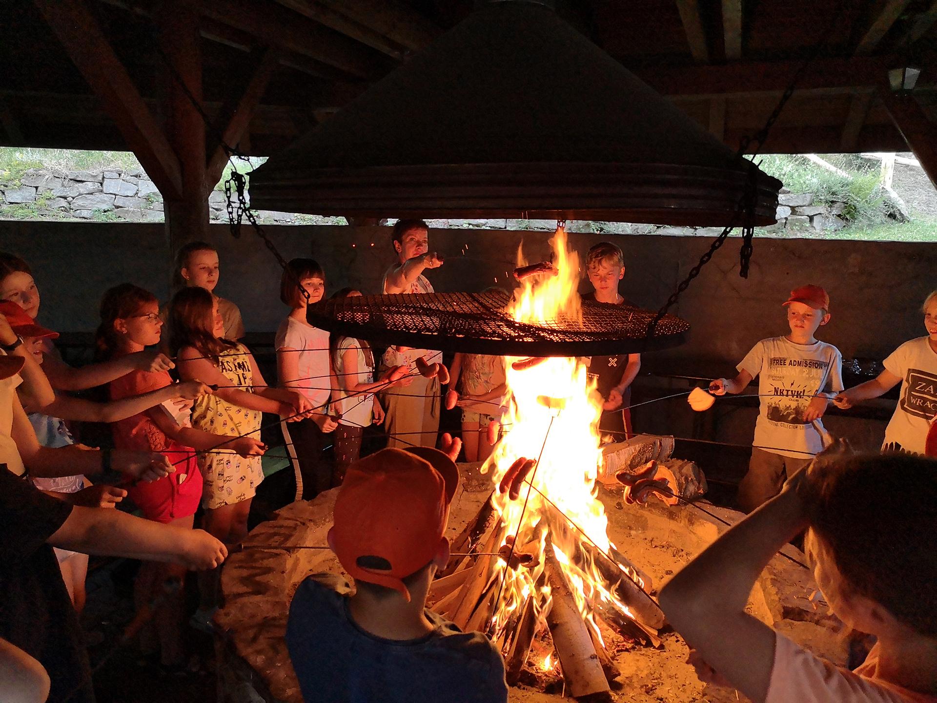 Ognisko na kolonii szkoły Bacalarus w Zamościu